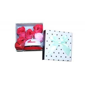 Подаръчен комплект със звънец, ключодържател и розички